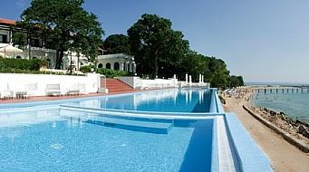 Oasis Riviera