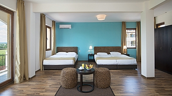Sunrise Resort Двойна стая