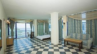 Chaika Beach Resort Суит 1 спалня